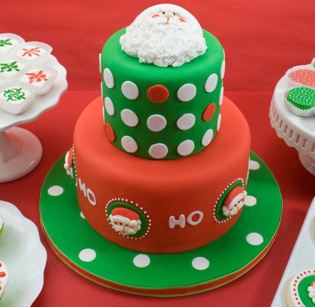 sample santa face cake - 10 decorações de bolos para o natal....